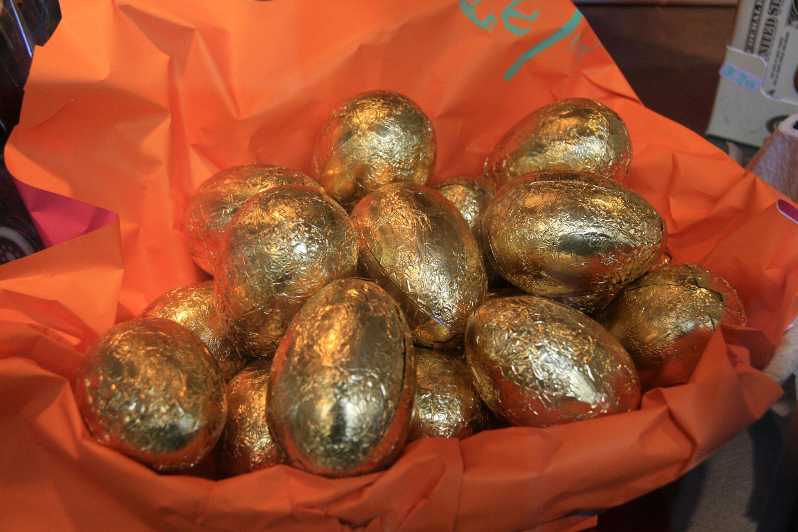 Fábula La Gallina de los Huevos de Oro